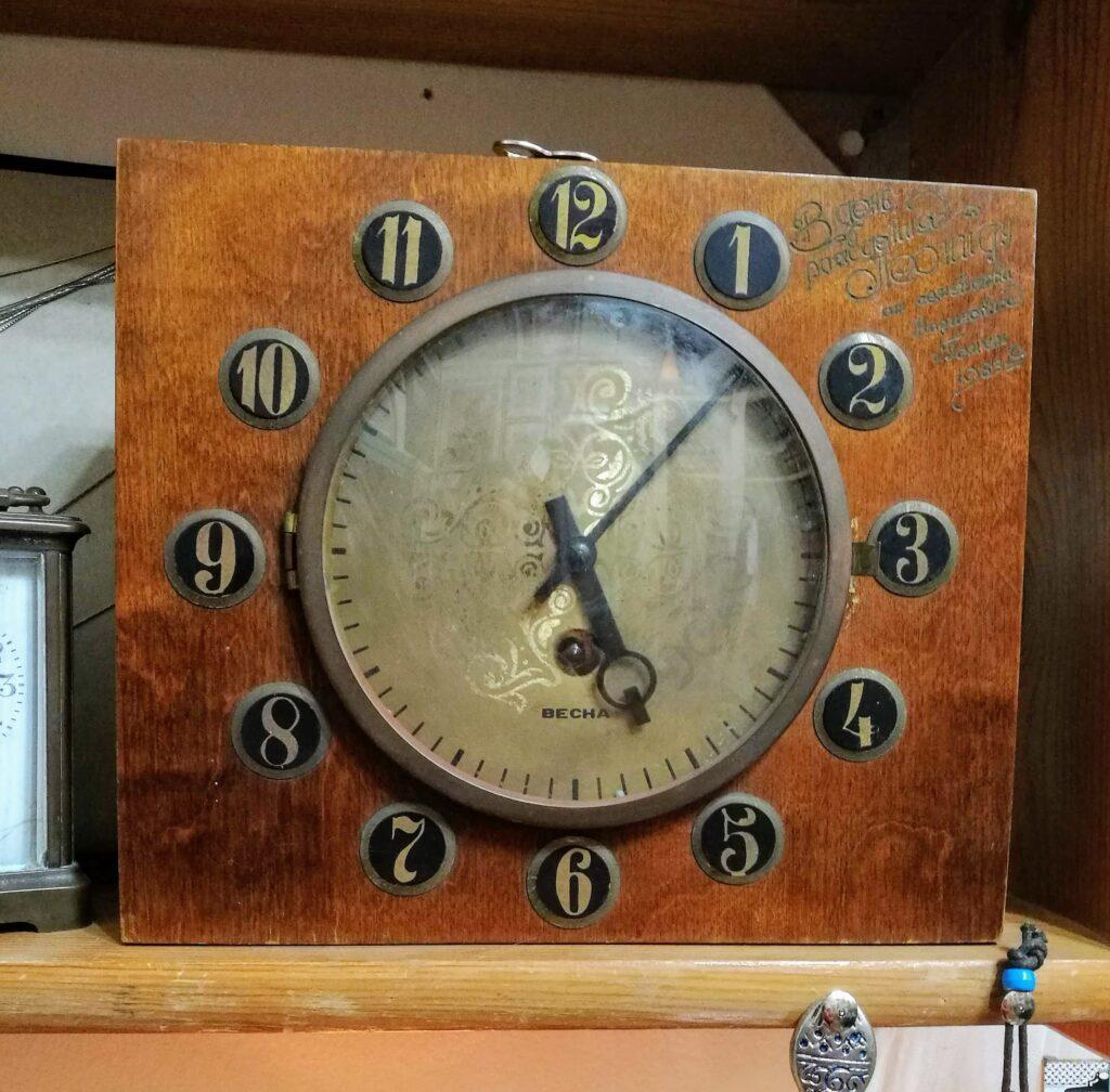 שעון מכני עתיק