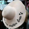 כובע רחב שוליים לבן